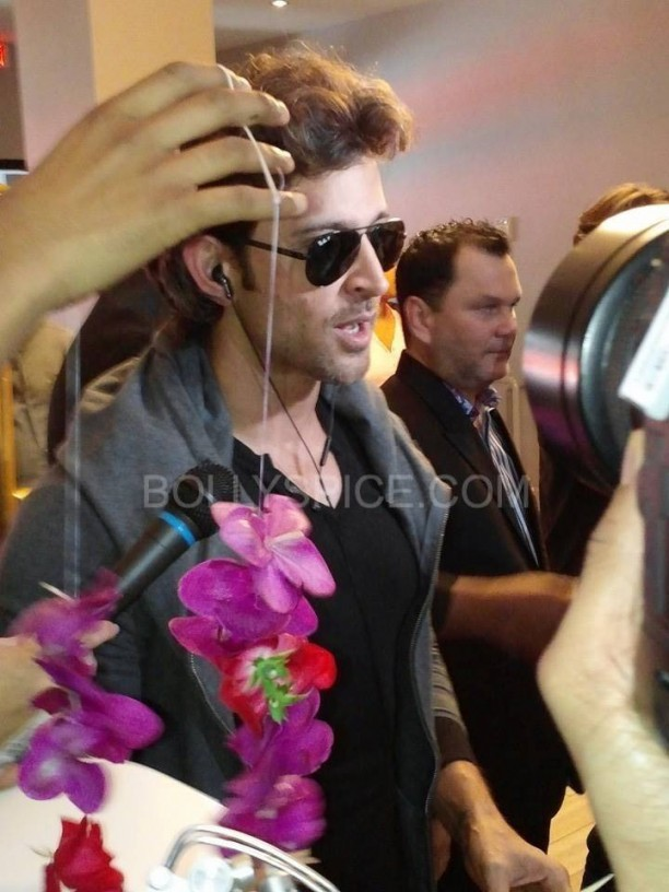 IIFApics61 612x816 In Pictures: Hrithik, Madhuri and Siddharth arrive for IIFA in Tampa   Updated With MORE