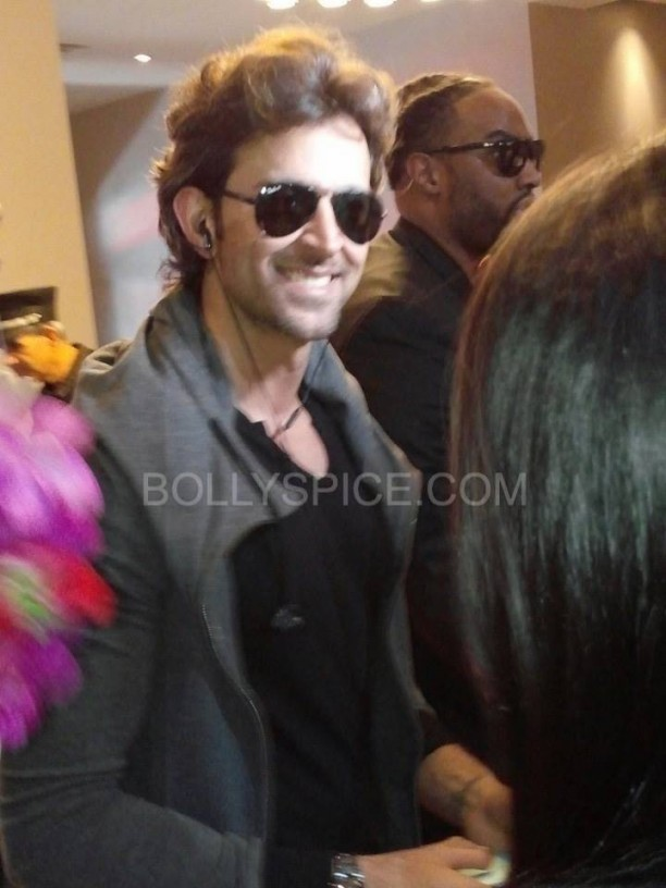 IIFApics81 612x816 In Pictures: Hrithik, Madhuri and Siddharth arrive for IIFA in Tampa   Updated With MORE