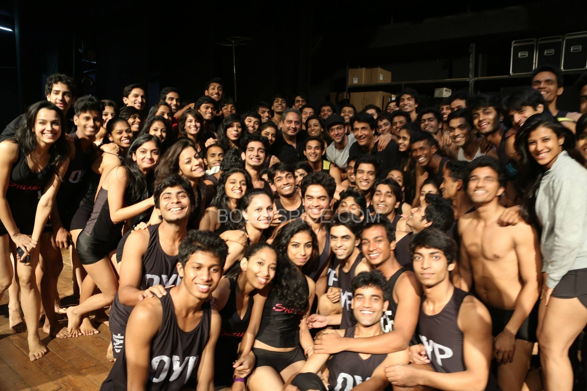 hrithikshiamakiifa1 In Pictures: Hrithik and Shiamak in rehearsal for IIFA