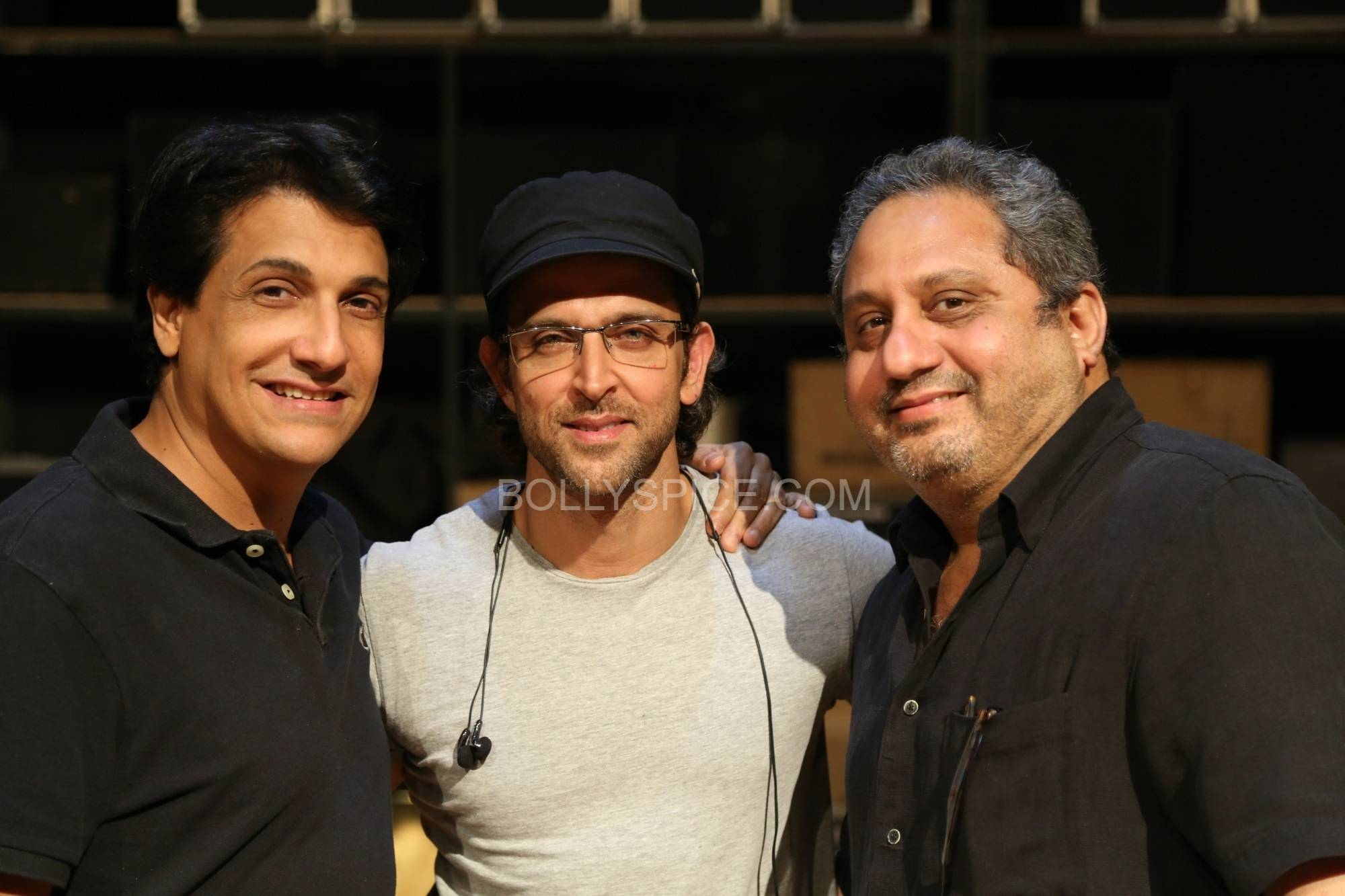 hrithikshiamakiifa2 In Pictures: Hrithik and Shiamak in rehearsal for IIFA