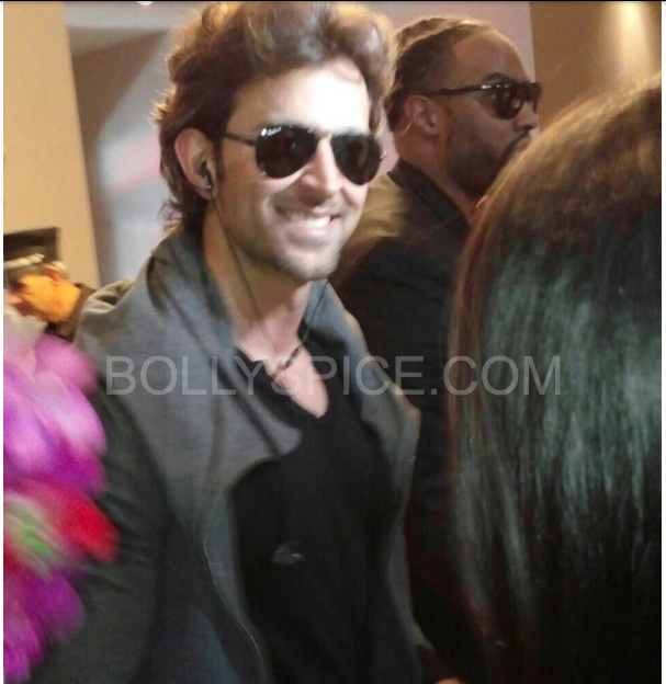 iifaday3arrivals7 In Pictures: Hrithik, Madhuri and Siddharth arrive for IIFA in Tampa   Updated With MORE