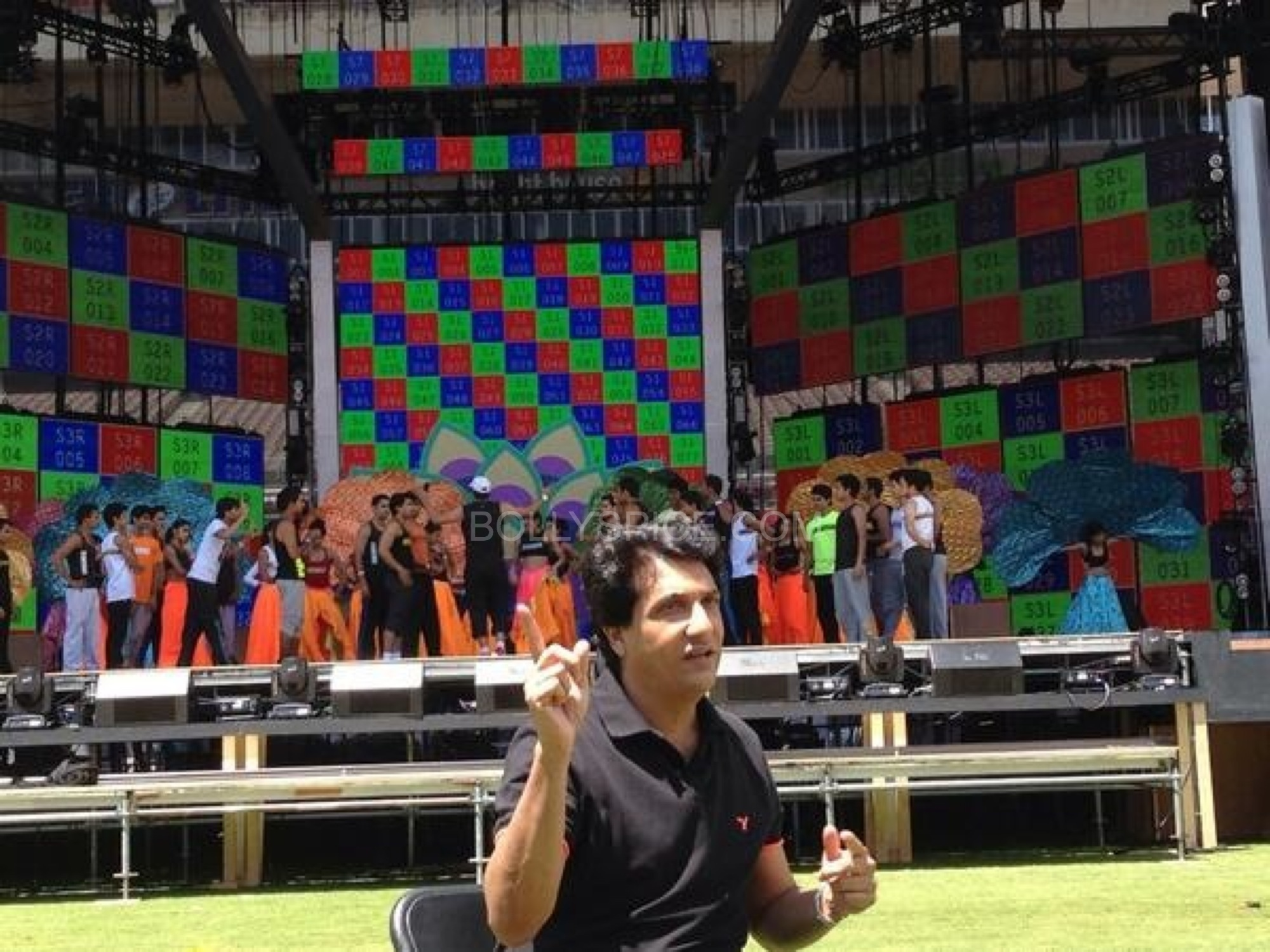 iifashiamakrehearsal Shiamak Davar gives us the scoop as he is ready to Rock at IIFA with performances by Hrithik, Shahid, Madhuri, Deepika, Ranveer and Siddharth