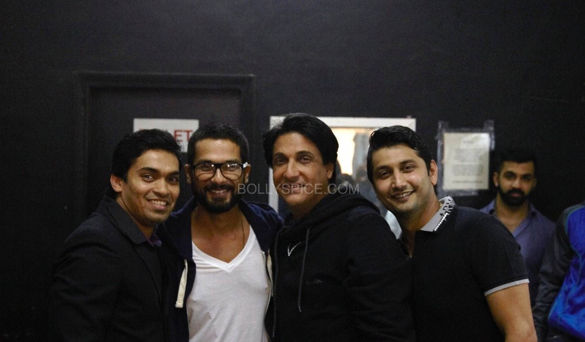 shahidshiamak2 Shahid and Shahids Brother Ishaan Named Shiamaks Most Promising Students