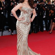 14may AishwaryaCannes02 185x185 Aishwarya Rai Bachchan stunning look at Cannes 2014