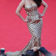 14may AishwaryaCannes12 185x185 Aishwarya Rai Bachchan stunning look at Cannes 2014