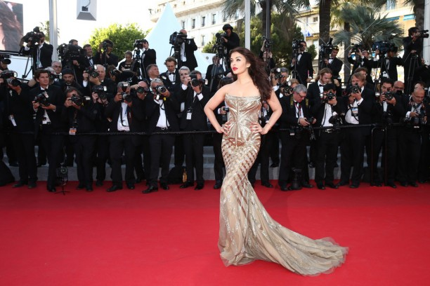 14may AishwaryaCannes14 612x408 Aishwarya Rai Bachchan stunning look at Cannes 2014