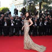 14may AishwaryaCannes15 185x185 Aishwarya Rai Bachchan stunning look at Cannes 2014