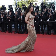 14may AishwaryaCannes17 185x185 Aishwarya Rai Bachchan stunning look at Cannes 2014