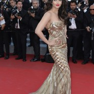 14may AishwaryaCannes18 185x185 Aishwarya Rai Bachchan stunning look at Cannes 2014