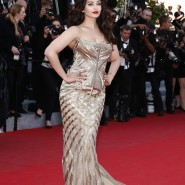 14may AishwaryaCannes19 185x185 Aishwarya Rai Bachchan stunning look at Cannes 2014