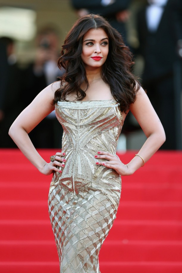 14may AishwaryaCannes28 612x917 Aishwarya Rai Bachchan stunning look at Cannes 2014