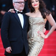 14may AishwaryaCannes33 185x185 Aishwarya Rai Bachchan stunning look at Cannes 2014