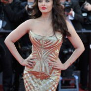14may AishwaryaCannes41 185x185 Aishwarya Rai Bachchan stunning look at Cannes 2014
