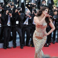 14may AishwaryaCannes42 185x185 Aishwarya Rai Bachchan stunning look at Cannes 2014