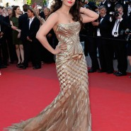 14may AishwaryaCannes52 185x185 Aishwarya Rai Bachchan stunning look at Cannes 2014