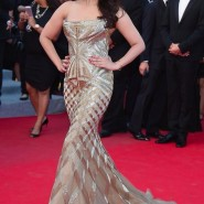14may AishwaryaCannes54 185x185 Aishwarya Rai Bachchan stunning look at Cannes 2014