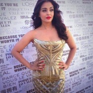 14may AishwaryaCannes64 185x185 Aishwarya Rai Bachchan stunning look at Cannes 2014