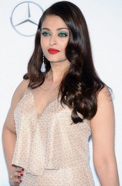 14may CannesAbhiAish amFAR07 Abhishek and Aishwarya at amfARs 21st Cinema Against AIDS Gala in Cannes 2014