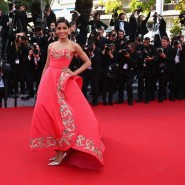 14may FreidaPintoCannes15 185x185 Cannes Update: Freida Pintos red carpet looks
