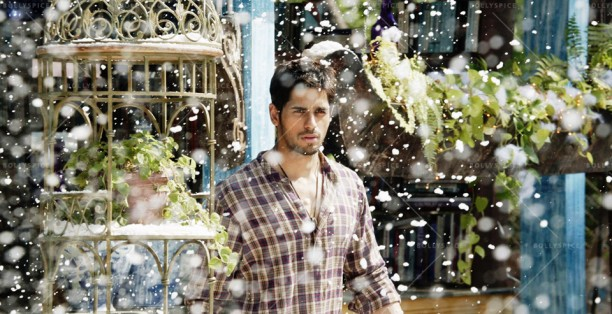14may Galliyan EkVillain02 612x314 The Secret behind the Snowfall in Galliyan
