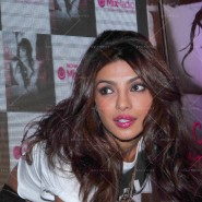 14may PriyankaSingleLaunchMumbai03 185x185 Priyanka Chopra Launches 'I Can't Make You Love Me' with Nokia MixRadio in Mumbai!