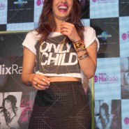 14may PriyankaSingleLaunchMumbai21 185x185 Priyanka Chopra Launches 'I Can't Make You Love Me' with Nokia MixRadio in Mumbai!