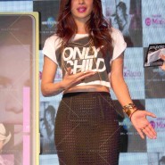 14may PriyankaSingleLaunchMumbai33 185x185 Priyanka Chopra Launches 'I Can't Make You Love Me' with Nokia MixRadio in Mumbai!