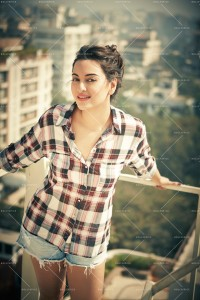 14may SonakshiSinha Facebook 200x300 10 Million Fans join Sonakshi Sinha on Facebook
