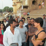 14may TigerShroffVaranasiHeropanti16 185x185 Tiger Shroff performs pooja at Kashi Vishwanath temple