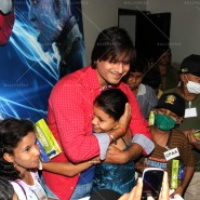 14may VivekSpidermanCancerScreening26 185x185 Vivek Oberoi at the screening of the Amazing Spider Man 2 for cancer patients