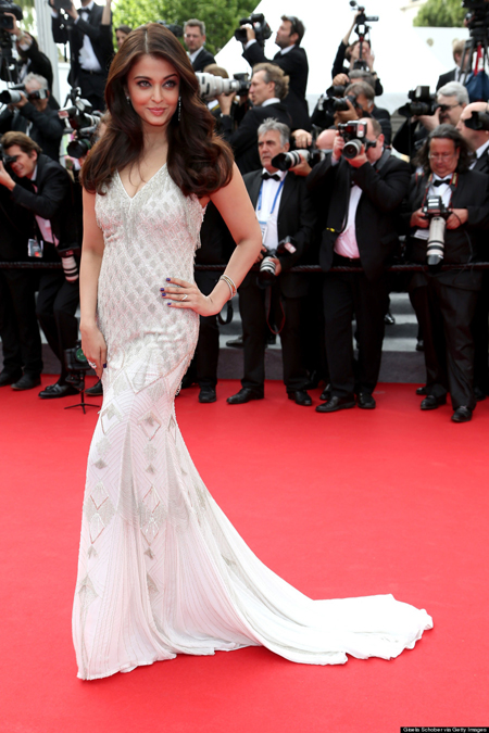 14may aishwaryacannes2014 05 Aishwarya Rai looking gorgeous AGAIN at Cannes 2014
