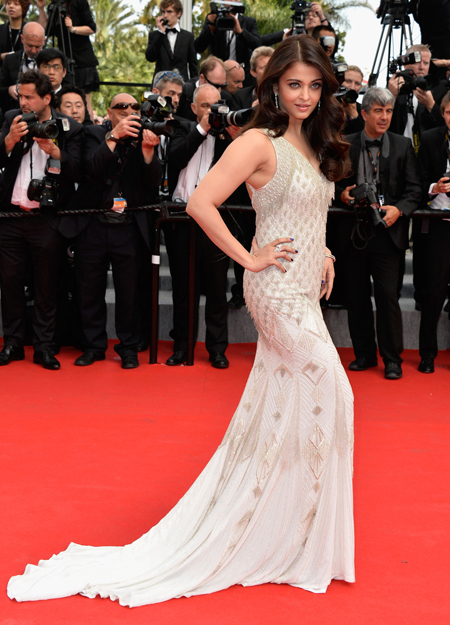 14may aishwaryacannes2014 12 Aishwarya Rai looking gorgeous AGAIN at Cannes 2014