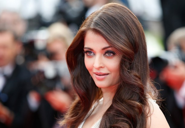14may aishwaryacannes2014 14 612x424 Aishwarya Rai looking gorgeous AGAIN at Cannes 2014