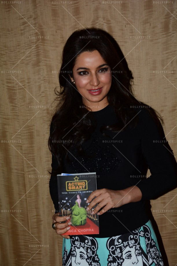 14jun TiscaActingSmart04 612x918 Tisca Chopra launches her book Acting Smart in Bangalore!!