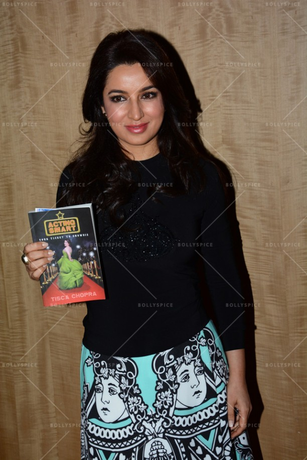 14jun TiscaActingSmart05 612x918 Tisca Chopra launches her book Acting Smart in Bangalore!!