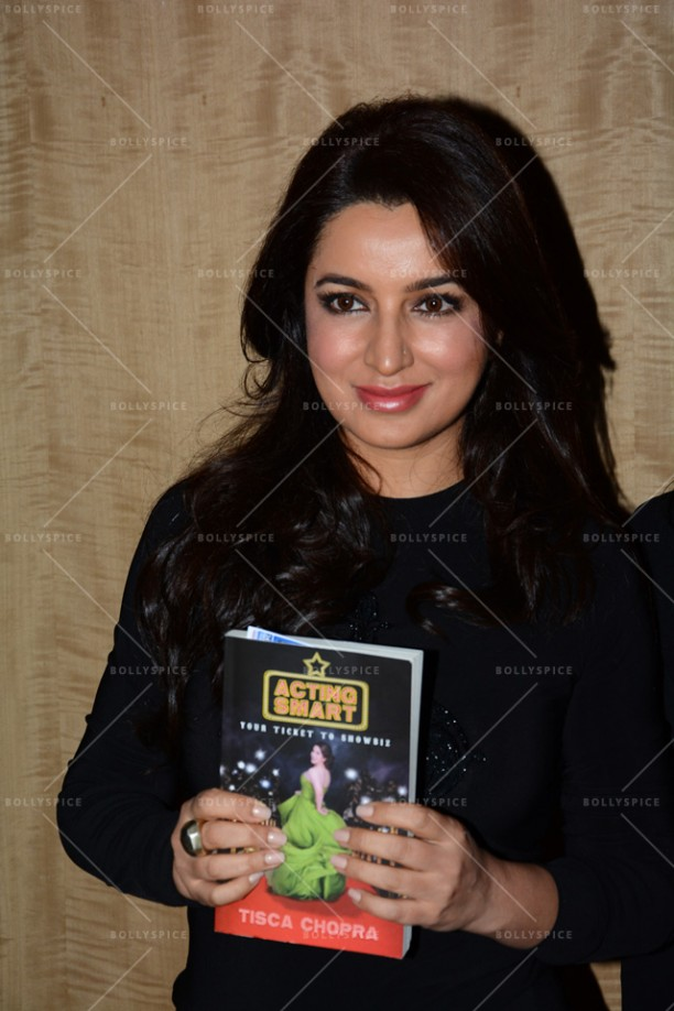 14jun TiscaActingSmart06 612x918 Tisca Chopra launches her book Acting Smart in Bangalore!!