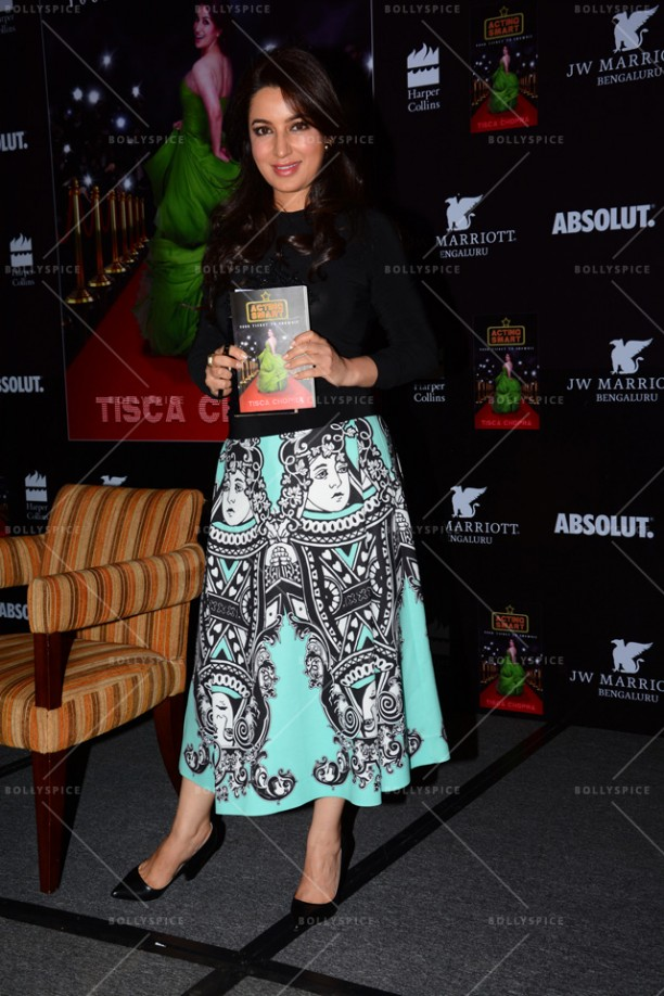14jun TiscaActingSmart08 612x918 Tisca Chopra launches her book Acting Smart in Bangalore!!