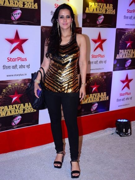 14jun WHWN StarParivaarAwards02 Whos Hot Whots Not: Star Parivaar Awards 2014