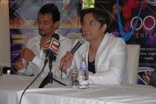 14jun alizafarshowstoppers 04 612x408 Bollywood Showstoppers Press Conference with Ali Zafar