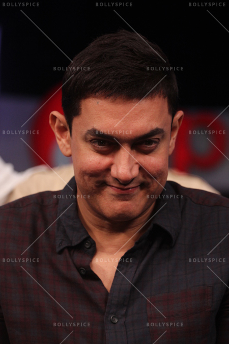 14jun chalechalo 01 Aamir Khan watched 'Chale Chalo' on &pictures LIVE with viewers in India