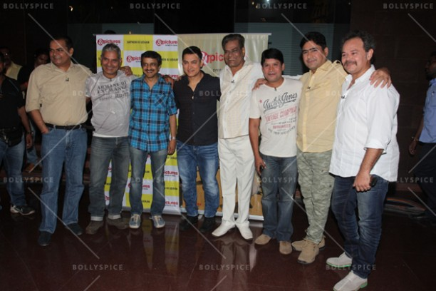 14jun chalechalo 02 612x408 Aamir Khan watched 'Chale Chalo' on &pictures LIVE with viewers in India