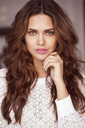 14jun eshaguptainterview 01 It was a lot of fun filming as it's a typical Sajid Khan movie.   Esha Gupta