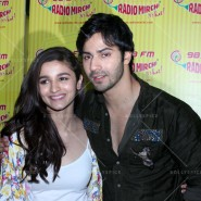 14jun hskdradiomirchi 15 185x185 In Pictures: Varun Dhawan & Alia Bhatt promoting Humpty Sharma Ki Dulhaniya at Radio Mirchi