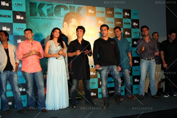 14jun kicktrailer 03 612x408 Kick Trailer Release pictures as it reaches 4 million views on YouTube! *updated