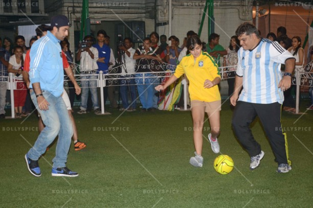 14jun ranbirfootball 11 612x407 Armaan and Ranbir come together to celebrate the football fever!!
