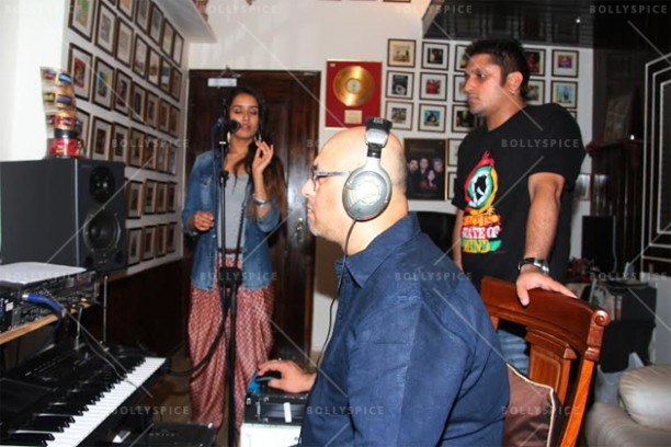 14jun shraddhabgscore 01 612x408 Now Shraddha Kapoor lends her voice to the Ek Villain background score