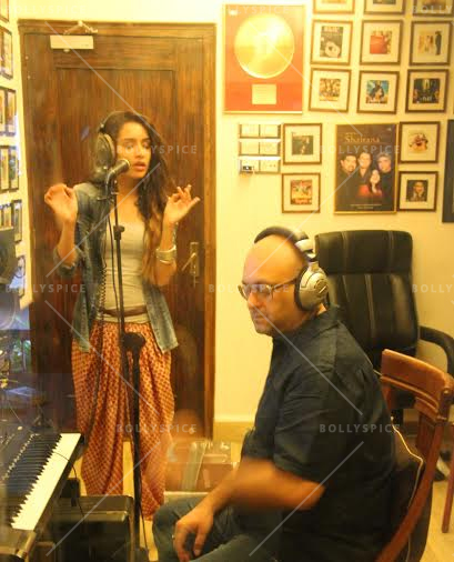 14jun shraddhabgscore 03 Now Shraddha Kapoor lends her voice to the Ek Villain background score