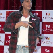 14jun srkkidzania 18 185x185 In Pictures: Shah Rukh Khan celebrates Fathers Day at Kidzania
