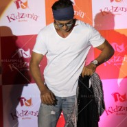 14jun srkkidzania 24 185x185 In Pictures: Shah Rukh Khan celebrates Fathers Day at Kidzania