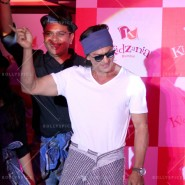 14jun srkkidzania 28 185x185 In Pictures: Shah Rukh Khan celebrates Fathers Day at Kidzania